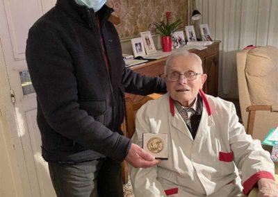 Remise d'une médaille « Confédérale » pour Monsieur Daniel DUQUENNE